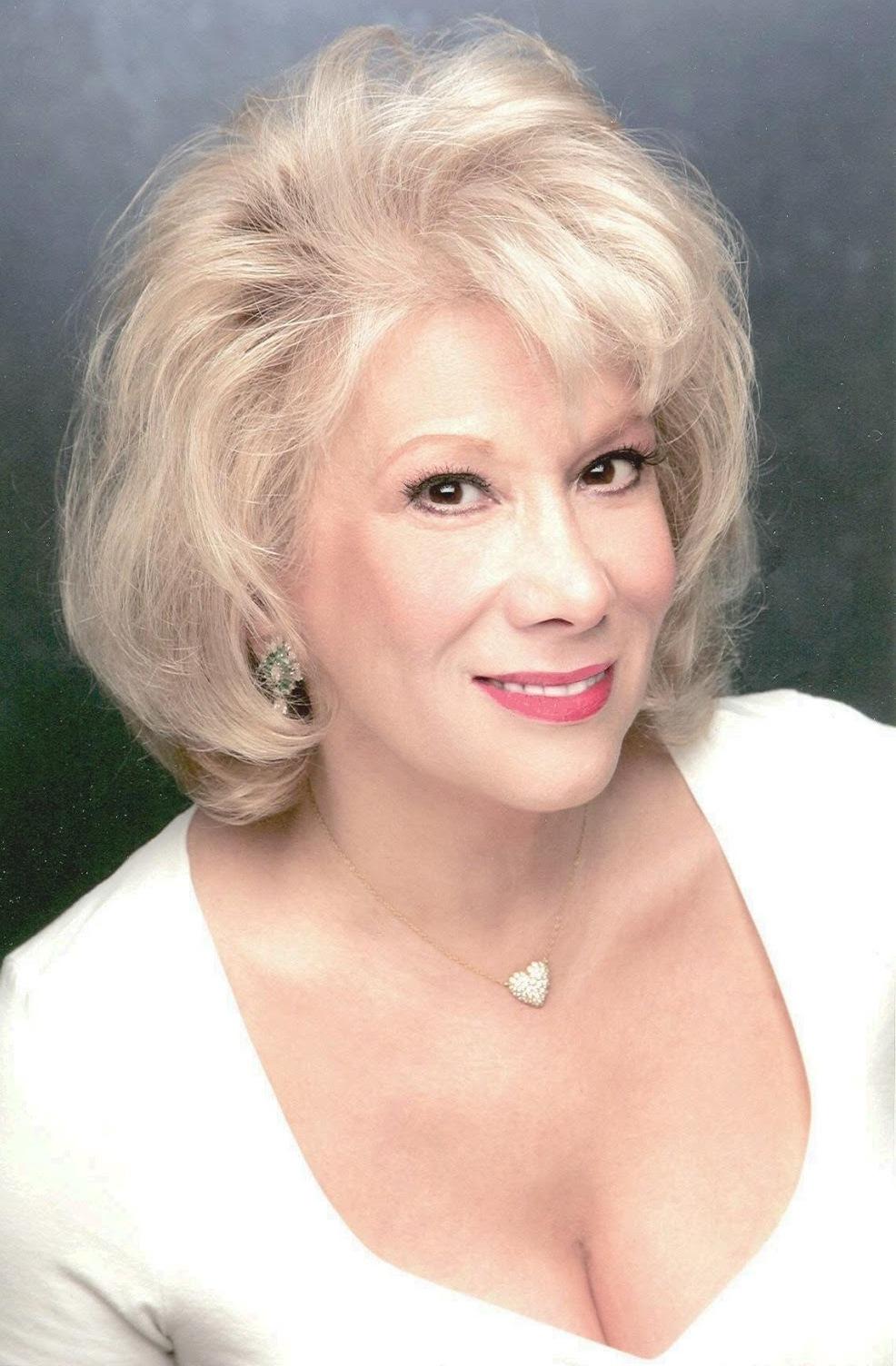 Marilyn_Michaels_-_White_top