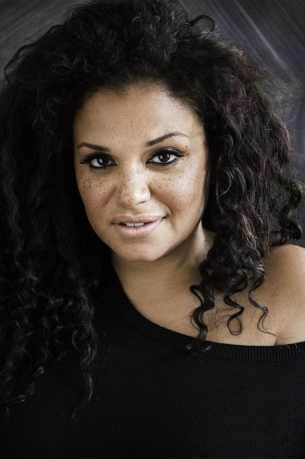 Michelle-Buteau-speaker